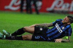 Jogador de Futebol com lesão no ligamento colateral lateral