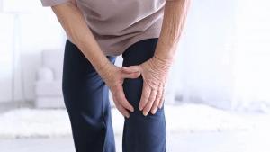 Principais sintomas da condromalácia patelar